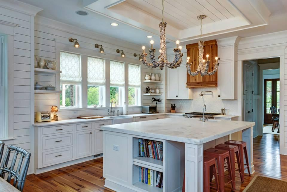 kitchen of the week classic style for a southern belle kitchens baths beyond. Black Bedroom Furniture Sets. Home Design Ideas